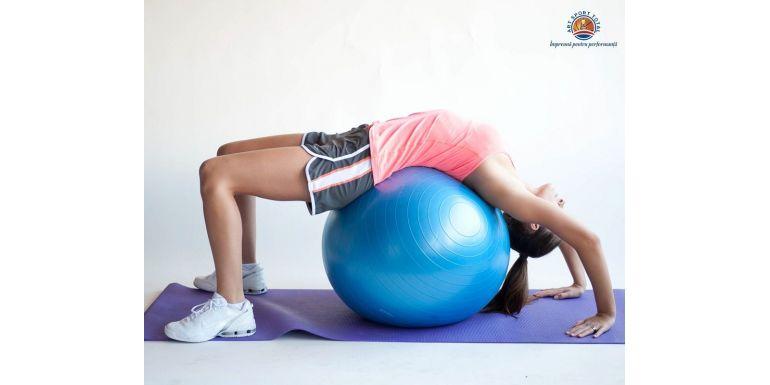 De ce ai nevoie de o minge de pilates pentru activitatile sportive